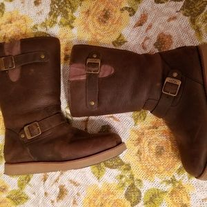 BROWN LEATHER UGG BOOTS W/Buckles